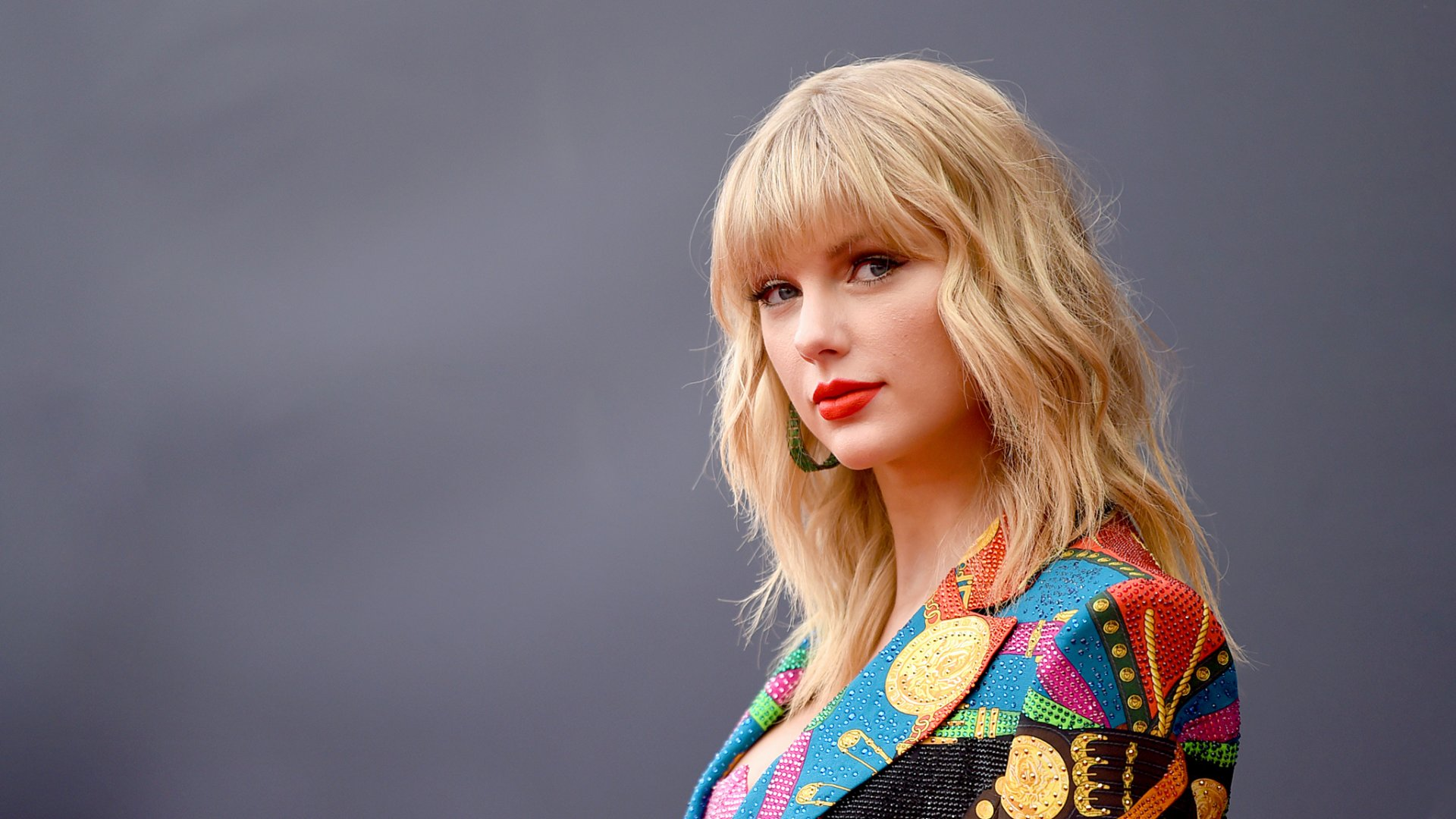 Taylor Swift Wedding Rumors Singer Fears Breakup With Joe Alwyn Over Marriage Delay Blocktoro